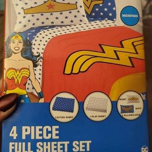 *~*Wonder Woman*~* Sheet Set & Hat
